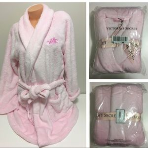 🆕VICTORIA'S SECRET - PINK COZY SHORT ROBE - M/L